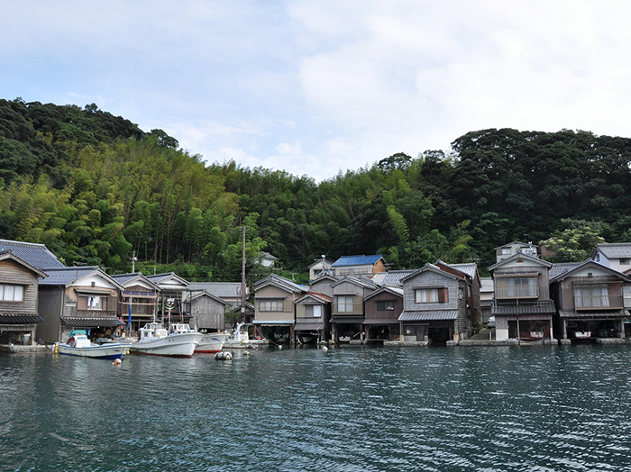 Take a drive to Kyoto by the Sea and a trip to appreciate Miyama's picturesque scenery.